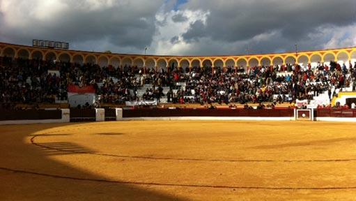 plaza de toros oliovenza, badajoz, fiestasespaña