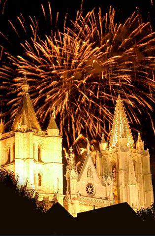 Fiestas San Juan y San Pedro de León